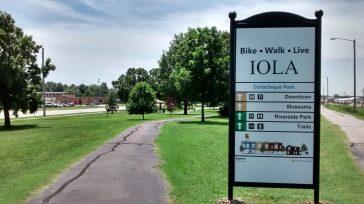 New Prairie Spirit Trail Signs in Iola